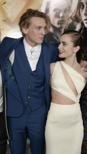 lily-collins-and-jamie-campbell-bower--170x300 film